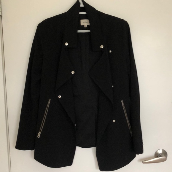Aritzia - Structured black coat with edgy zippers